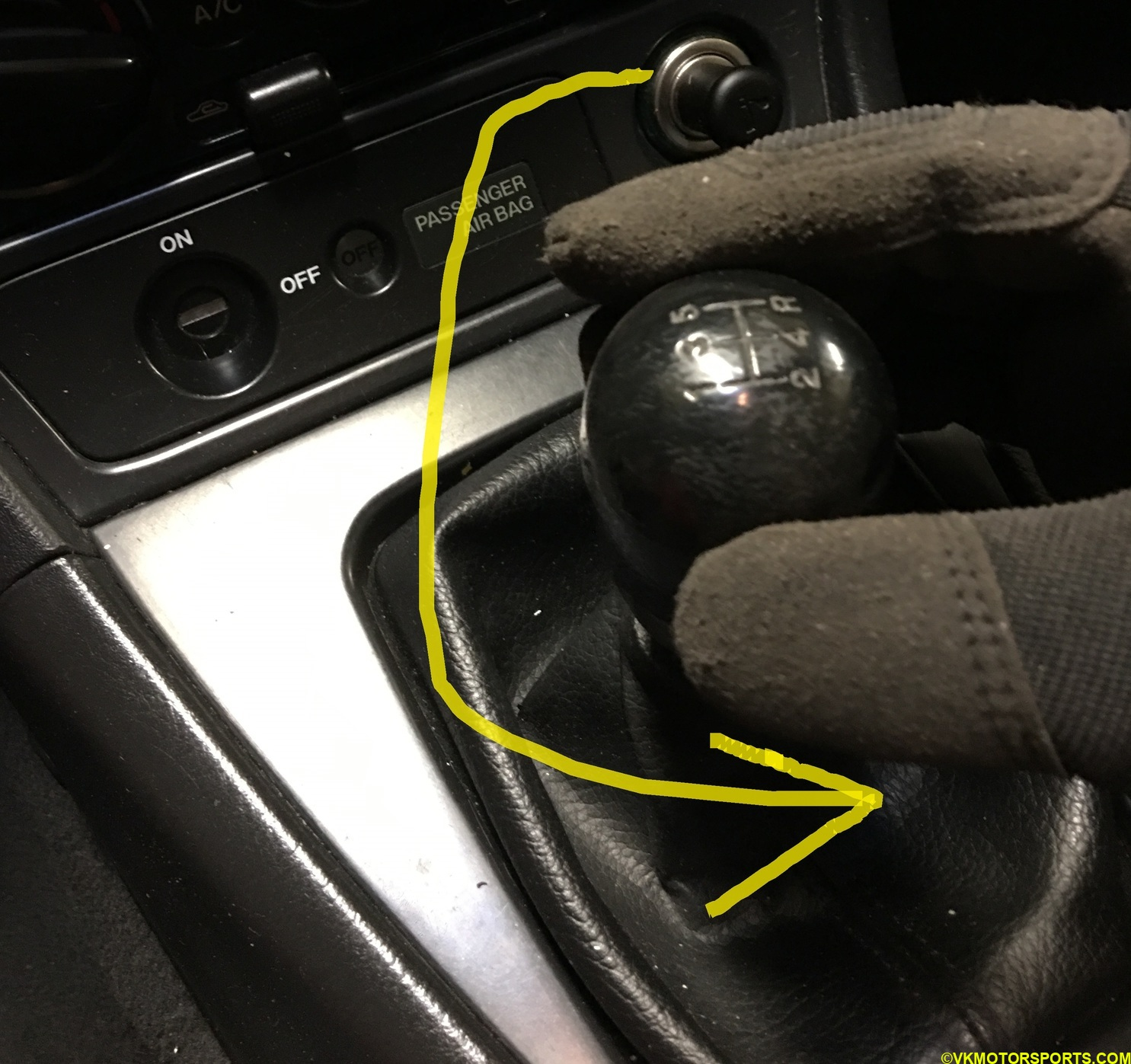 Figure 4. Counter-clockwise rotate the shift knob